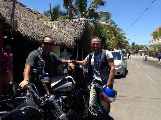 Dominican Riders - Day Tours : RIDING IN PARADISE WITH DOMINICAN RIDERS