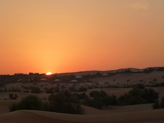 Al Maha, A Luxury Collection Desert Resort & Spa: Sunset over Al maha