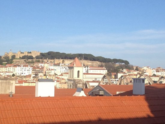 Lisboa Carmo Hotel: View from room if you lean out the window and look right!