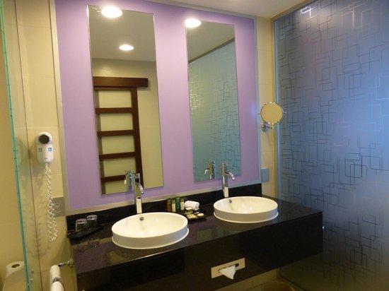 Hotel Riu Plaza Panamá: Badezimmer