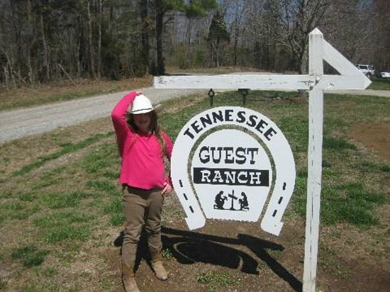 A Tennessee Dude & Guest Ranch : Welcome sign