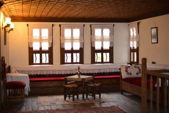 Cesmeli Konak: 1st fl living room