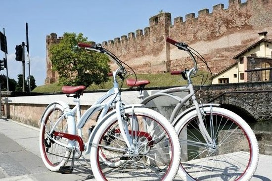 Luggage Point & Rent a Bike: Montjuic