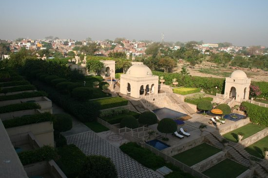 The Oberoi Amarvilas: View over pavilions