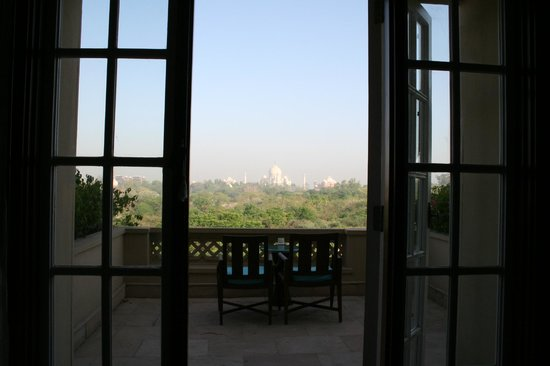 The Oberoi Amarvilas: Iconic room view