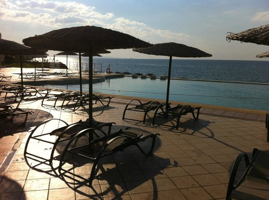 Ramada Plaza Thraki : Hotel pool