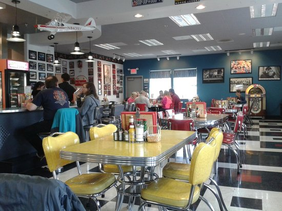 Debby's Diner: Great Interior