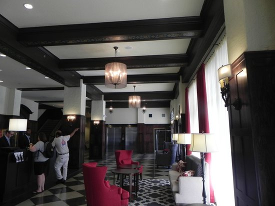 Hampton Inn & Suites Bradenton Downtown Historic District : Beautiful Lobby