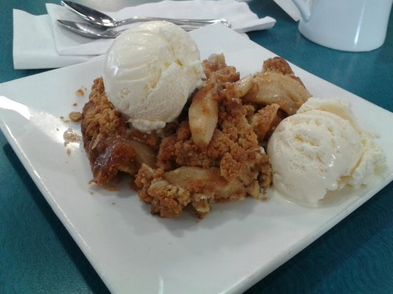 Debby's Diner: Delicious Dutch Apple Pie