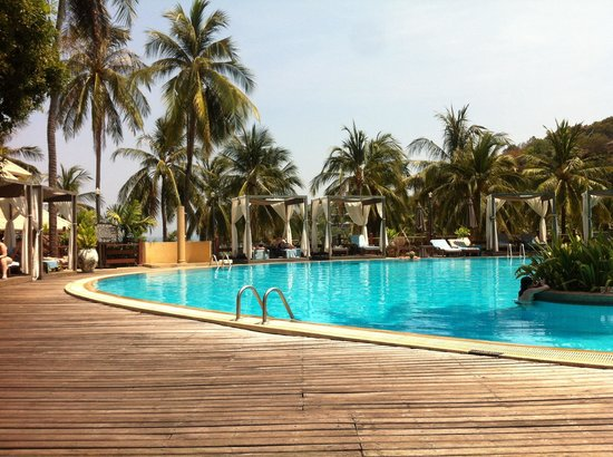 Cape Panwa Hotel: Poolområdet