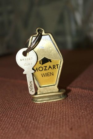 Hotel Mozart: No electronic keys here!