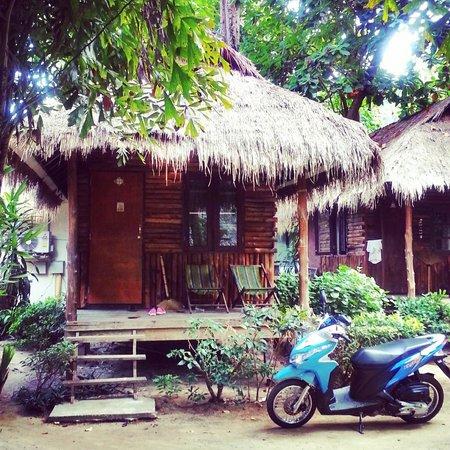 Lonely Beach Resort: my bungalow