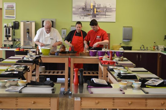 Hillmount BBQ Academy: Terry and his kitchen team preparing for our lesson