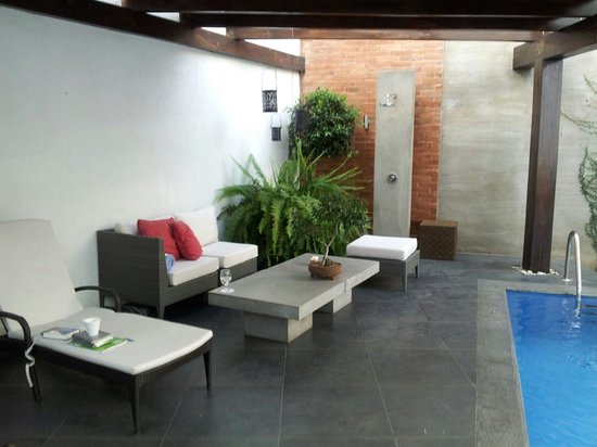 Elements Hotel Boutique : Pool area
