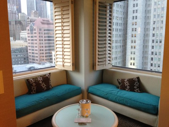 W San Francisco : Window seats in room 1608