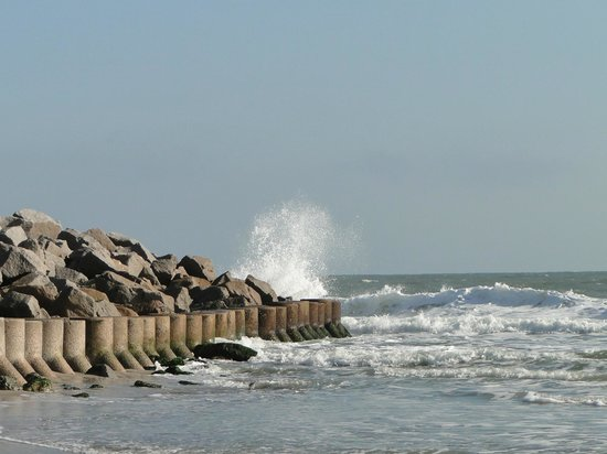 Fort Fisher State Historic Site : rocks protecting fort at hightide