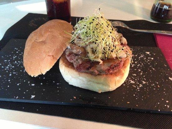 B Burger: B-burger Budha