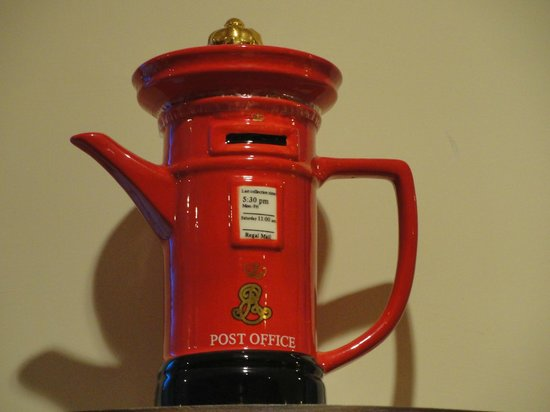 Hotel Mount View & Spa: One of the kettle collection