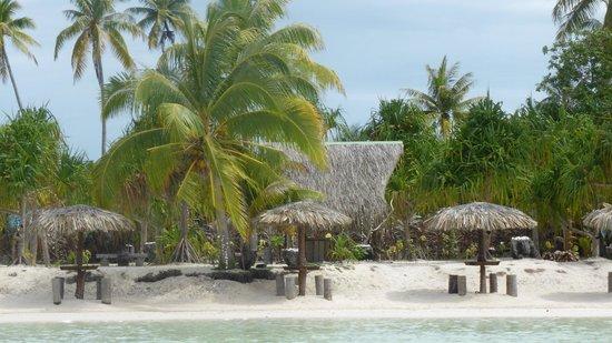 Bora Bora Romantic Tour: Our private moto