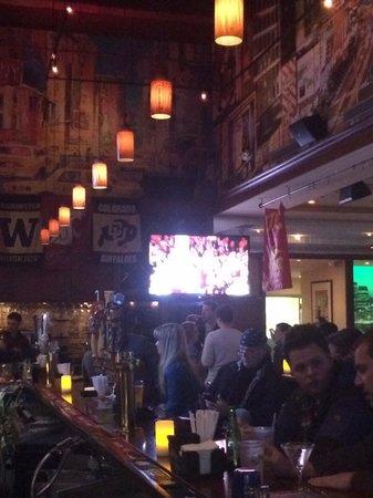 Ashton's Alley Sports Bar : Vero spirito newyorkese