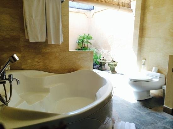 Dura Villas Bali: Awesome bathroom