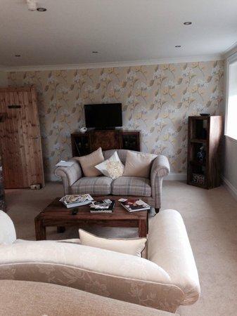 Deighton Lodge: Cosy communal lounge area.