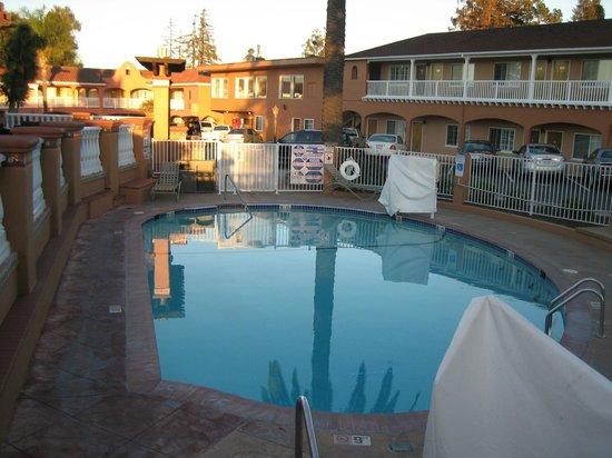BEST WESTERN PLUS El Rancho Inn : pool