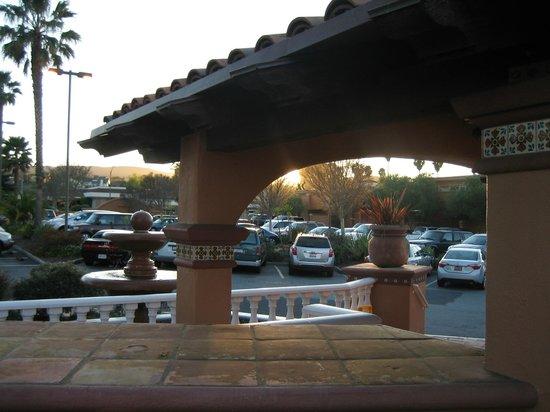 BEST WESTERN PLUS El Rancho Inn: hotel & grounds