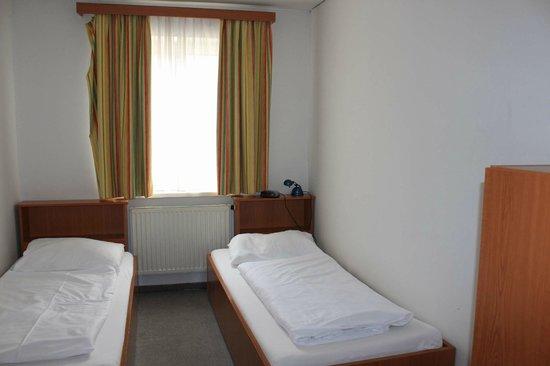 Suite Hotel 200m zum Prater: первая спальня в нижнем этаже