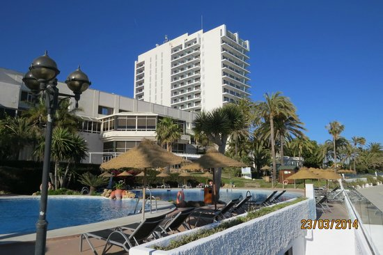 THB Torrequebrada Hotel: View from the pool area of Hotel