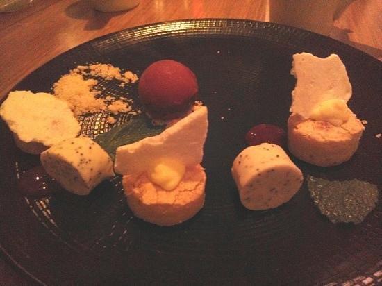 Restaurant Martin : Dessert, Raspberry Ginger Sorbet, Citrus Curd Cake and Panna Cotta rounds
