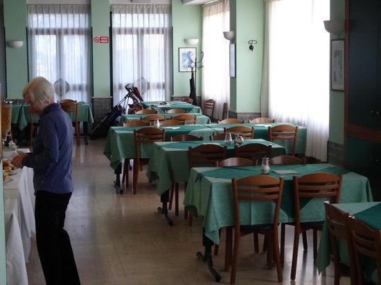 Hotel Elisa : Breakfast and dining room