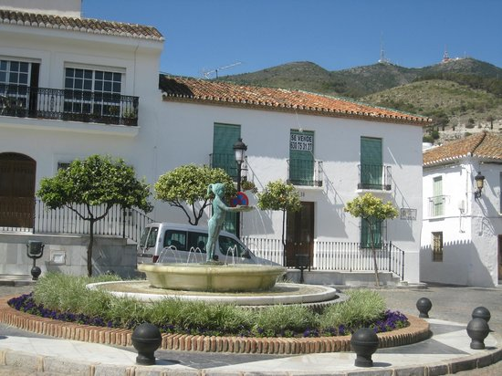 Benalmadena Pueblo (The Old Village) : Main square