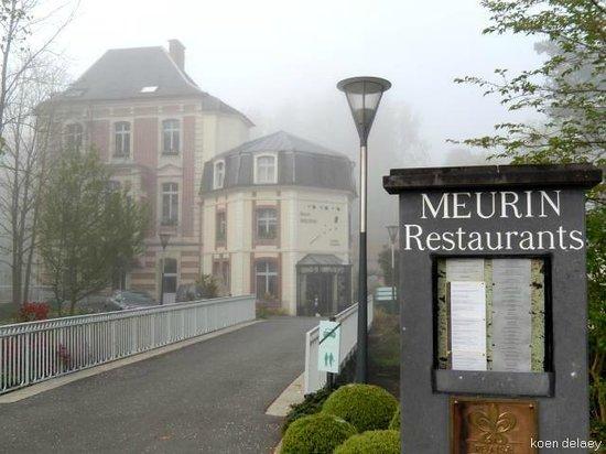 Le Chateau de Beaulieu: ingang restaurant / hotel