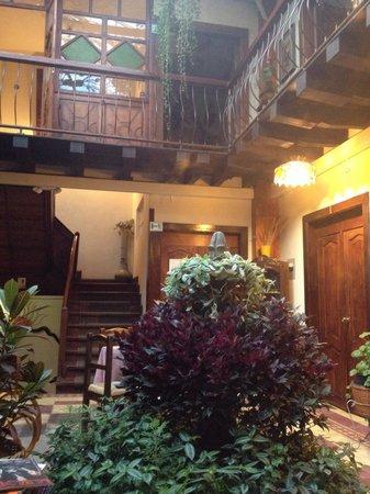Hotel Boutique Portal de Cantuna : The courtyard.