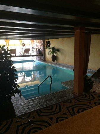 Parkhotel Sonnenhof: Indoor swimming pool