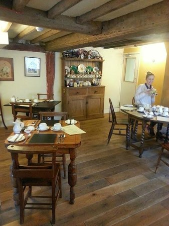 The Pilgrims Rest: Beams in the breakfast room date back to 1550
