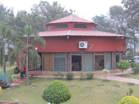 Rose Valley Kunjanagar (Falakata) Resort: Dining Hall