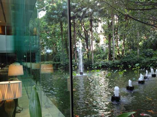 Shangri-La Hotel Kuala Lumpur : Lemon garden (frankly no lemon trees) restaurant where you can have breakfast