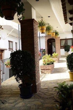 Las Rampas: Corridor