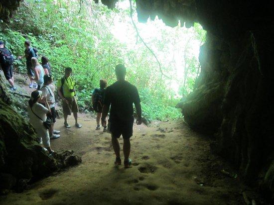 Topes de Collantes: Exploring a cave.