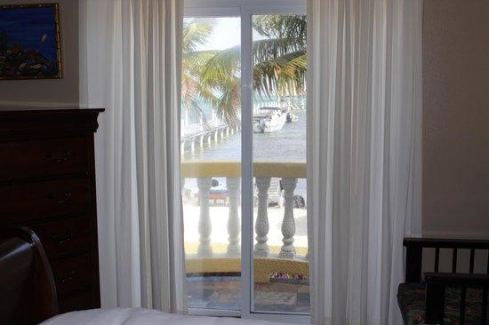Pelican Reef Villas Resort: Front bedroom view