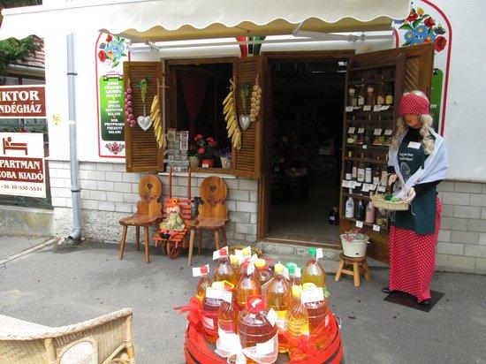Tokaj Wine Region: Shops