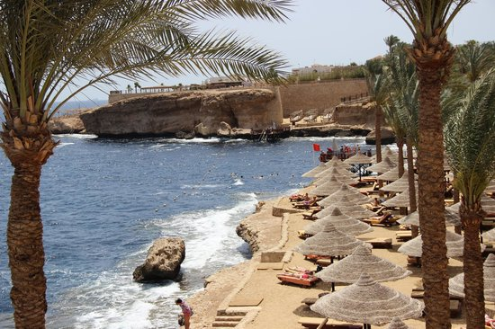 The Grand Hotel Sharm El Sheikh: Пляж