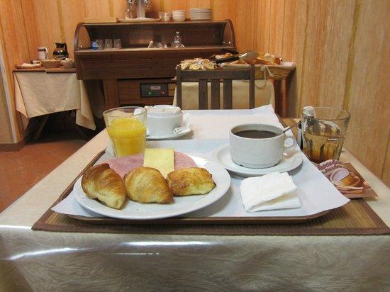 Royal Phare Hotel: Завтрак