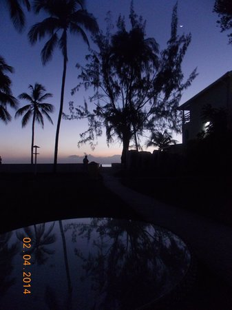 Discovery Bay by Rex Resorts: The sun goes down over a great holiday
