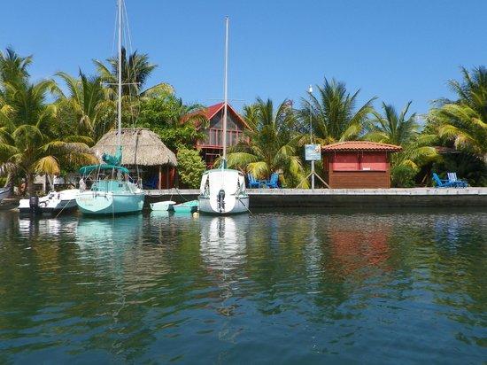 Captain Jak's Cabanas: Captain Jak's waterside