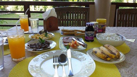 Hale Manna: Hearty breakfast