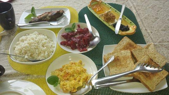 Hale Manna: Hearty generous breakfast ♡♡♡