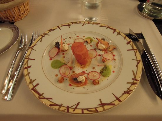Loiseau des Vignes : カラフルで美味しい料理